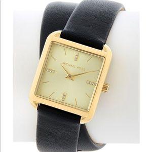 NWT Michael Kors Women's Drew Leather Strap Watch